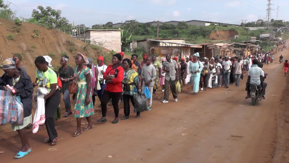 Pèlerinage des chrétiens de Douala en 2016 sur la tombe de Robert